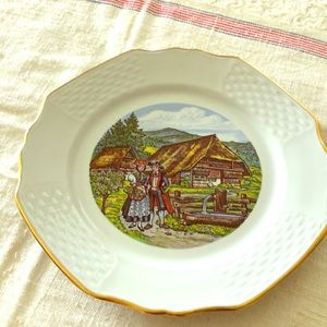 FREE w/purchase! GUC: Vintage E & A Bockling Plate